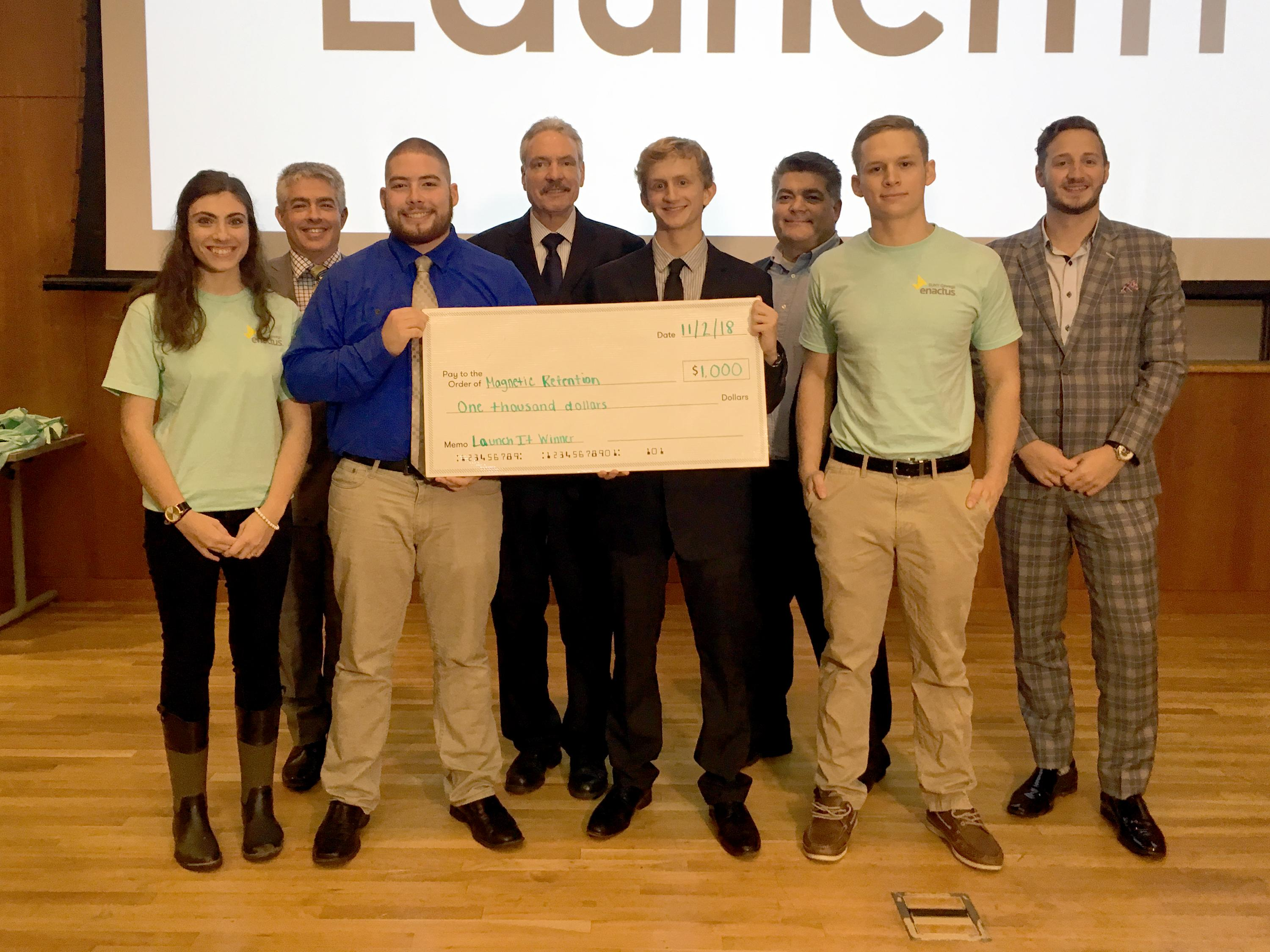 Winners and judges of 2018 Launch It student startup competition