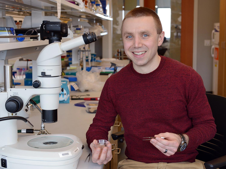 Christopher Chandler in genetics lab