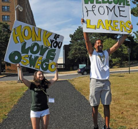 Laker Leaders welcome new students to campus